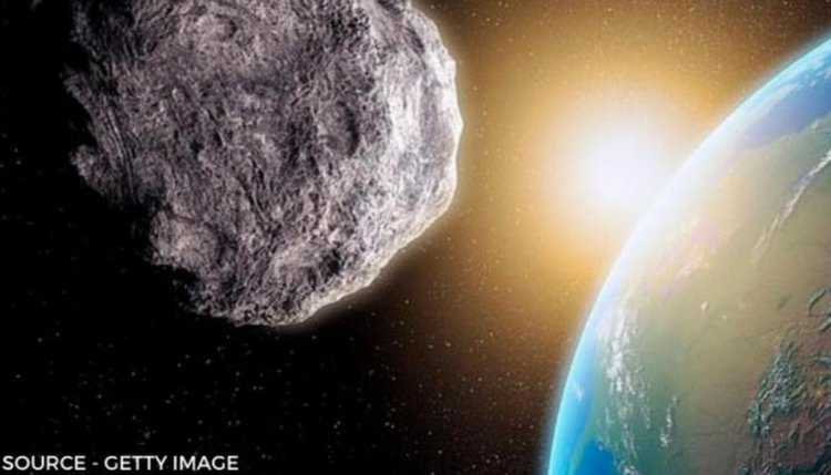 5 Asteroids heading towards Earth on Jan 6 - Two observed to be the size of Eiffel Tower - Republic World