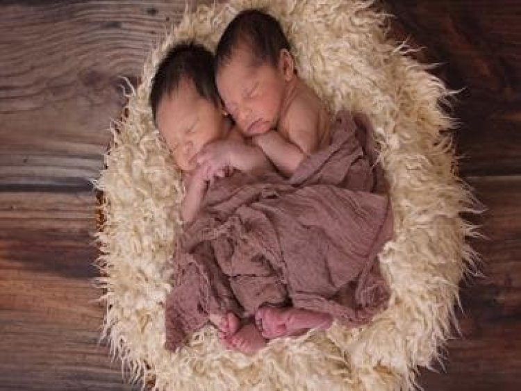 Not so identical: Genetic difference in twins can begin very early on in the embryo