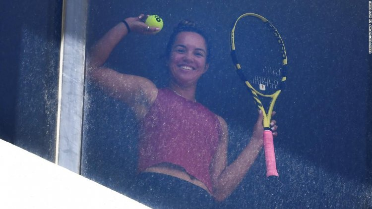 Australian Open tennis stars get creative with practice while stuck in hotel quarantine