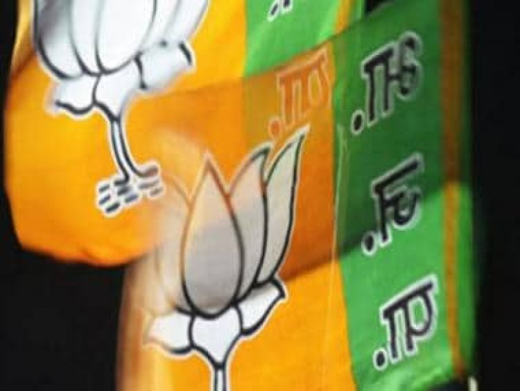 Gujarat cadre IAS officer, who recently took voluntary retirement from service, joins BJP