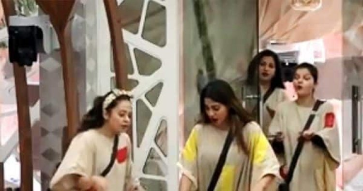 Bigg Boss 14: 'Do kaan ke niche baja ke jaungi,' Devoleena Bhattacharjee gets irritated as Nikki Tamboli's mi - Bollywood Life