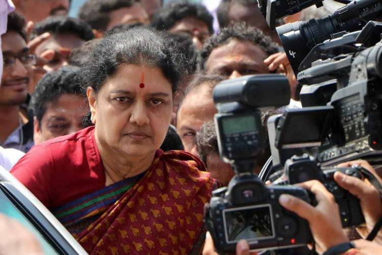 VK Sasikala tests negative for COVID-19, suffering from acute respiratory infection - The News Minute