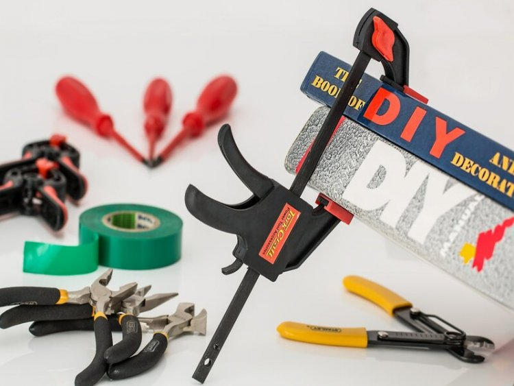 Revealed: the common DIY mistakes costing Brits up to £35,000 to repair| IronmongeryDirect