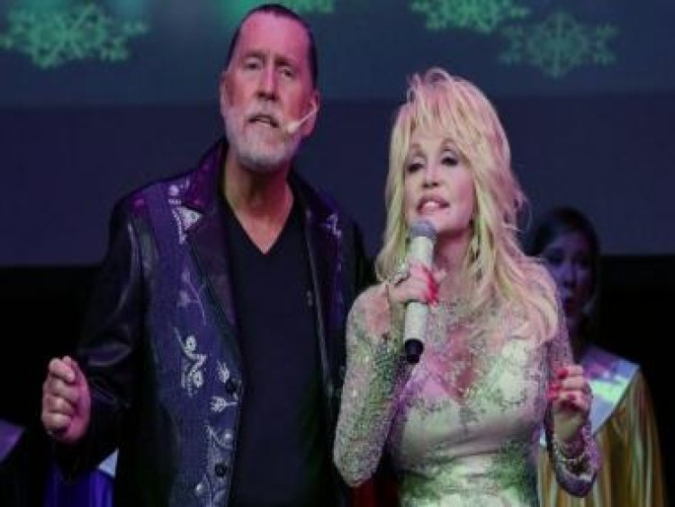 Dolly Parton's brother Randy, who sang and performed with singer, dies at 67 after battle with cancer