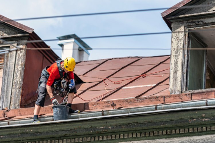 Top Tips for Cleaning Your Gutters