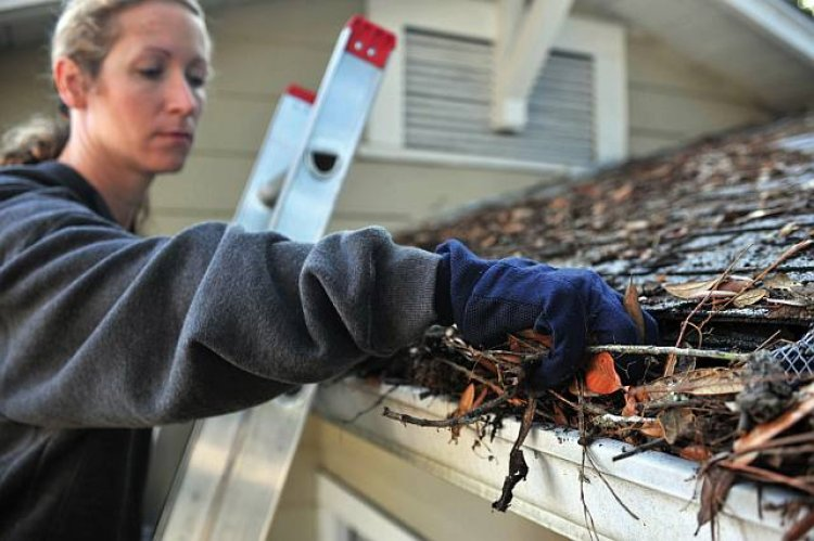 Leaving Gutters Clogged Puts Your Basement at Risk