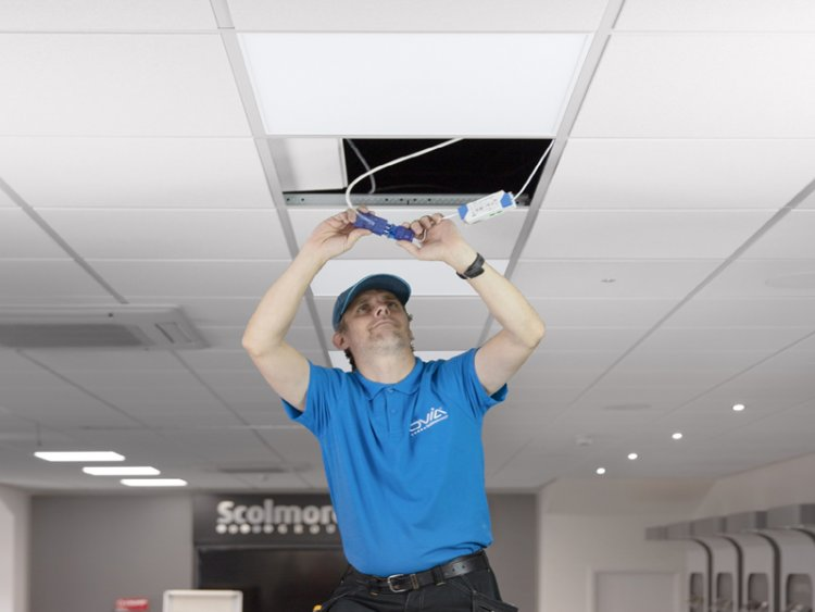 Ask Ovia: do you supply commercial lighting that can flick from warm to cool to white?